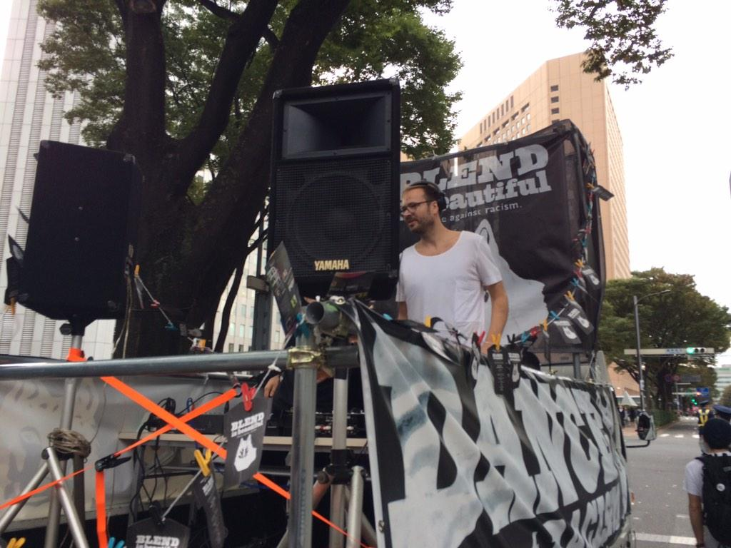 【社会】「差別のない世界を」「ノーヘイト」 東京大行進2014、昨年を上回る2800人が新宿の街をデモ行進★2  ©2ch.net YouTube動画>29本 ->画像>240枚