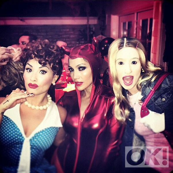 Nothing to see here, just @JLo @ddlovato and @IGGYAZALEA looking awesome on Halloween: