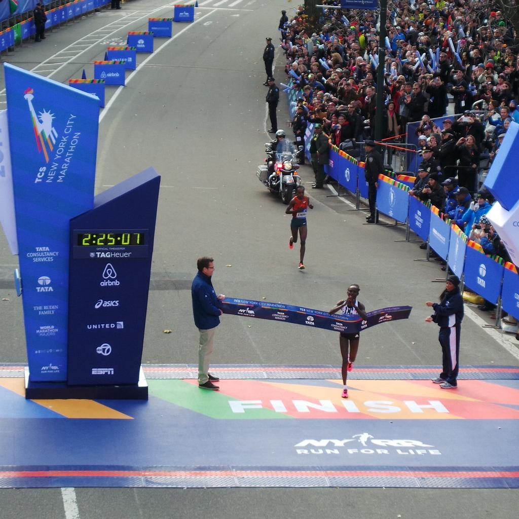Mary Keitany wins the #tcsnycmarathon in 2:25:07 http://t.co/xtn248uhg2