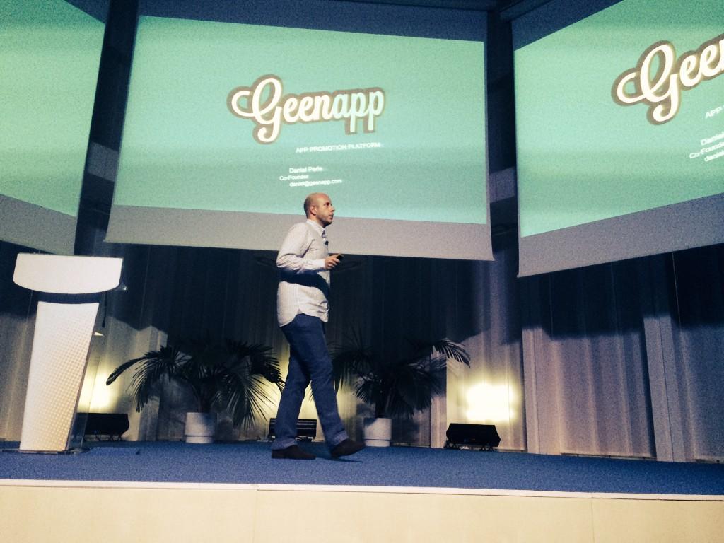 .@DanielPeris presentando los hitos conseguidos por @Geenapp en @WayraES BCN ¡Bravo! http://t.co/kh2NW0A6I3