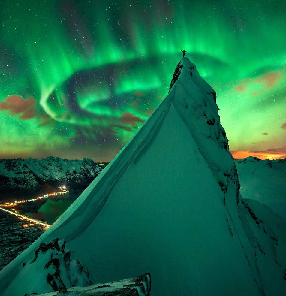 RT @anibaltrejo: Definitivamente esta es la MEJOR foto que he visto de la #AuroraNoruega en #LaponiaNoruega http://t.co/PbjleeU0vW