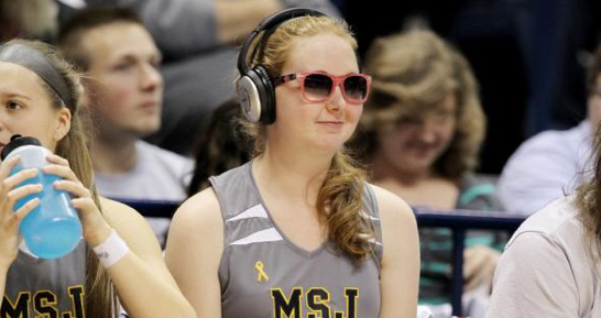 Take a break from the some of the frivolous content on Twitter today, and let's make sure #LaurenHill trends all day! http://t.co/1BRlhN1VUV