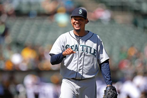 The AL Outstanding Pitcher is @RealKingFelix #PlayersChoice14 @Mariners http://t.co/NgwyGJpLUn