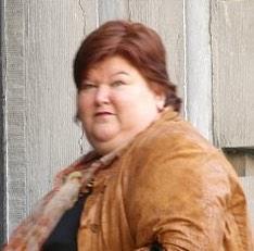 朝からベルギーの大臣の名前がつぼです  肥満問題に取り組んでいる人で名前が『マギー・デ・ブロック』 まんまやっし! マギー=沖縄の方言で大きい デブ=まんま ロック=この人が肥満問題に取り組んでいるのがロック?笑 http://t.co/Ylb2IJj4EJ
