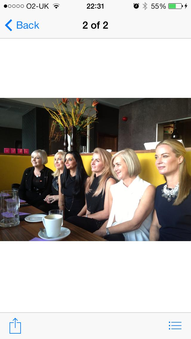 Lunch with 5 of the best female hairdressers in Scotland ,thanks to @habbcharity @JayneLewisOrr @ghd @AJCconsultants http://t.co/oVlZQgdBej