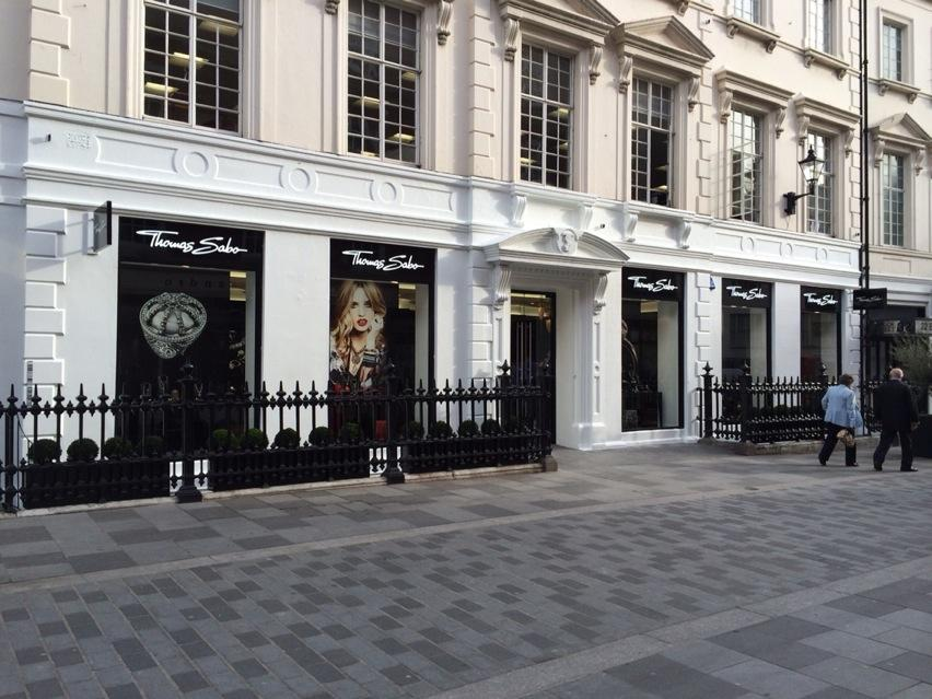 The new @ThomasSabo London Flagship store is now open on South Molton St and definitely worth a visit! #SaboLondon http://t.co/cbRtz1fw2M