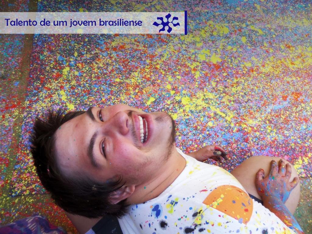 Jovem brasiliense de 19 anos, com síndrome de Down vai expor sua telas na Itália: http://t.co/kU4BYrpx5P http://t.co/4QckZpVHjK