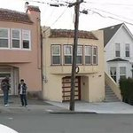 RT @SFist: Naked guy wakes up SF couple, bites them. Seriously: http://t.co/mRH70yWEpo http://t.co/klGZidflQ1
