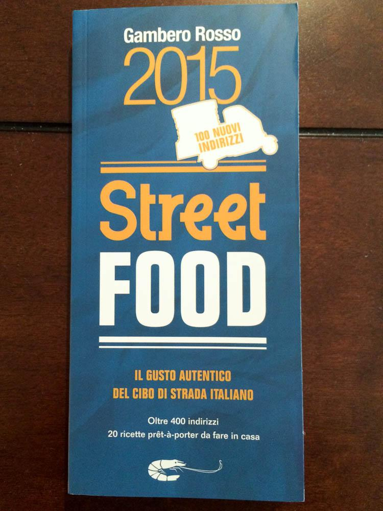 Here's a very handy book on #streetfood in Italy, from the folks @ilGamberoRosso, Street Food 2015. #italy #travel http://t.co/soovj1qqdw
