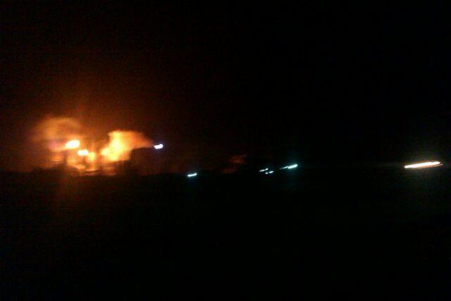 Diario NotiFalcon (@NOTIFALCON): #AHORA Así se observan los alrededores de la refinería de Amuay. Reportan apagón. http://t.co/CI7wFk8QM4