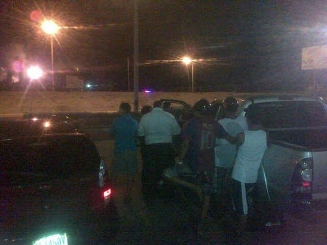 Así lucen los alrededores de la refinería de Amuay donde se reporta apagón. http://t.co/nHnBrH1nEq