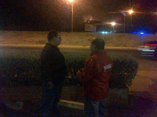 Diario NotiFalcon (@NOTIFALCON): Autoridades regionales y municipales presentes en inmediaciones de refinería Amuay. Reiteran se trató de un apagón http://t.co/nCpRyr0a4k