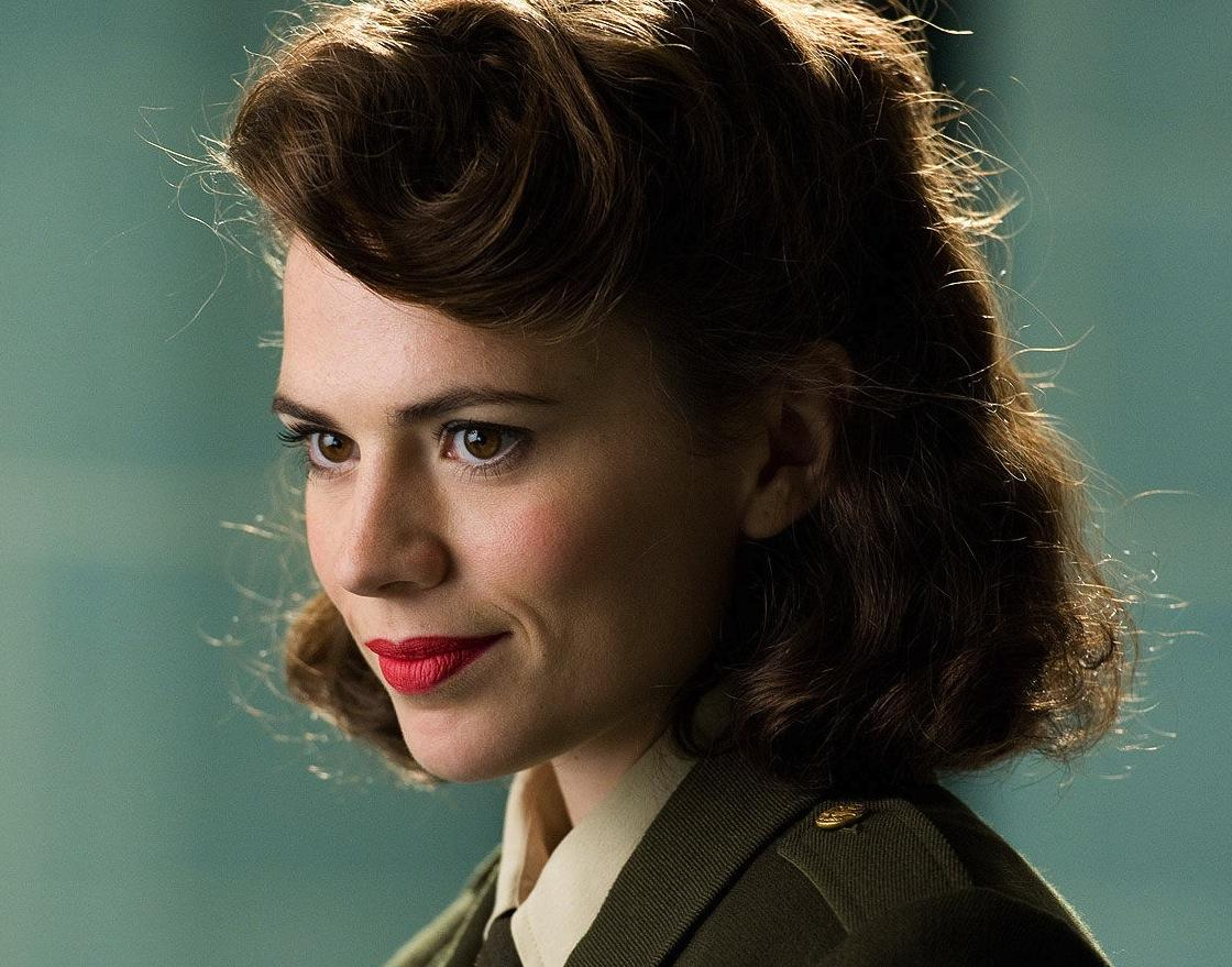 """@SuperHeroHype: extended look at #Marvel's #AgentCarter, starring @HayleyAtwell! http://t.co/WSW1g0r4XF http://t.co/yzptx7S4pU"" READY"