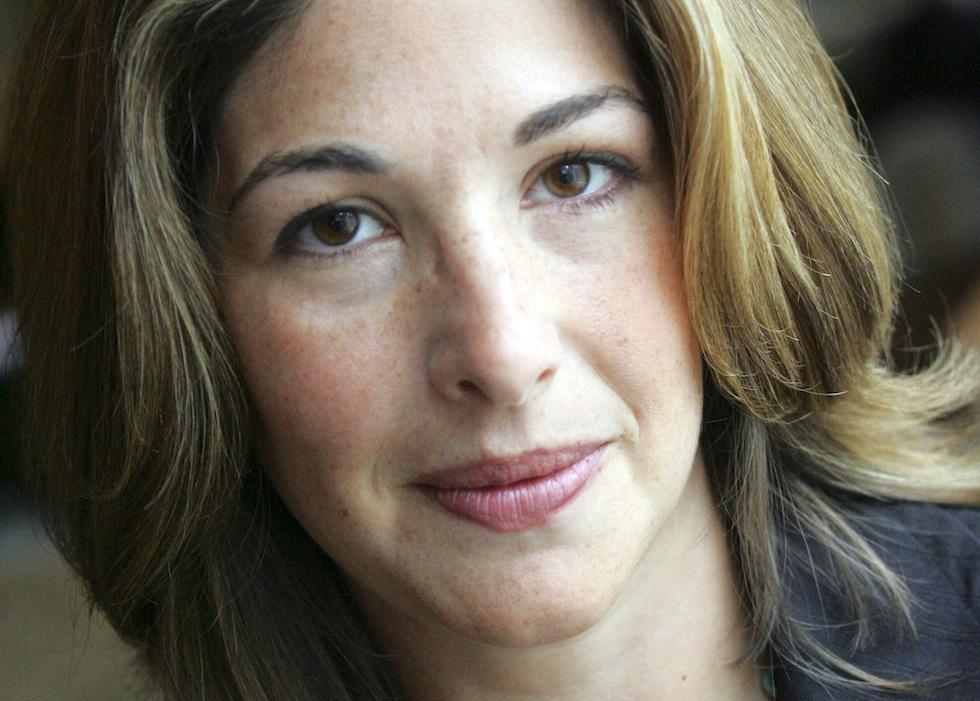 """""""Can we imagine another future?"""" Interview with #NaomiKlein: http://t.co/ZlOZ3RvQb3 @AllenLaneBooks #climatechange http://t.co/gYROax8HXy"""