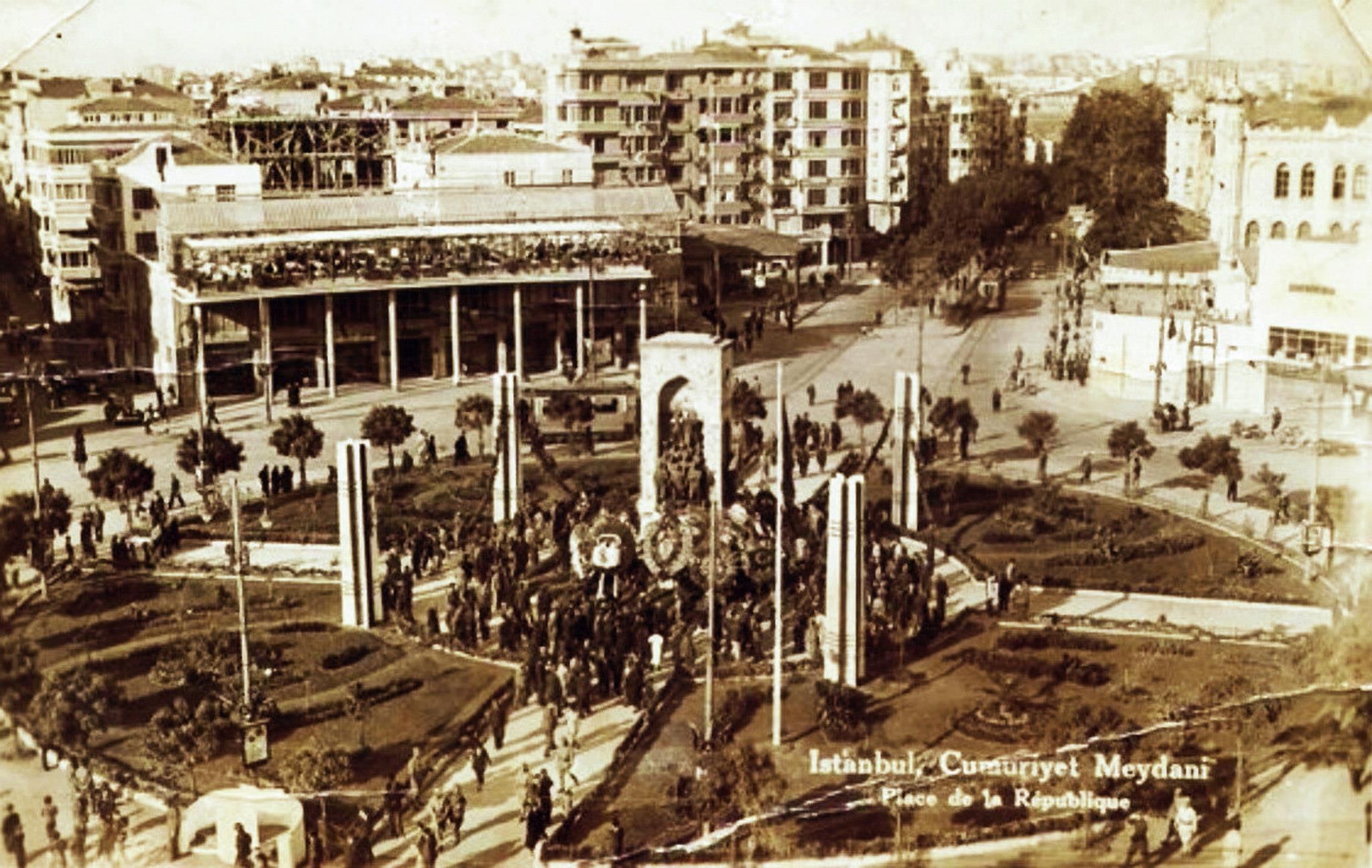 Taksim Meydanı (1930'lu yıllar) #istanbul http://t.co/YK03G5A0W4