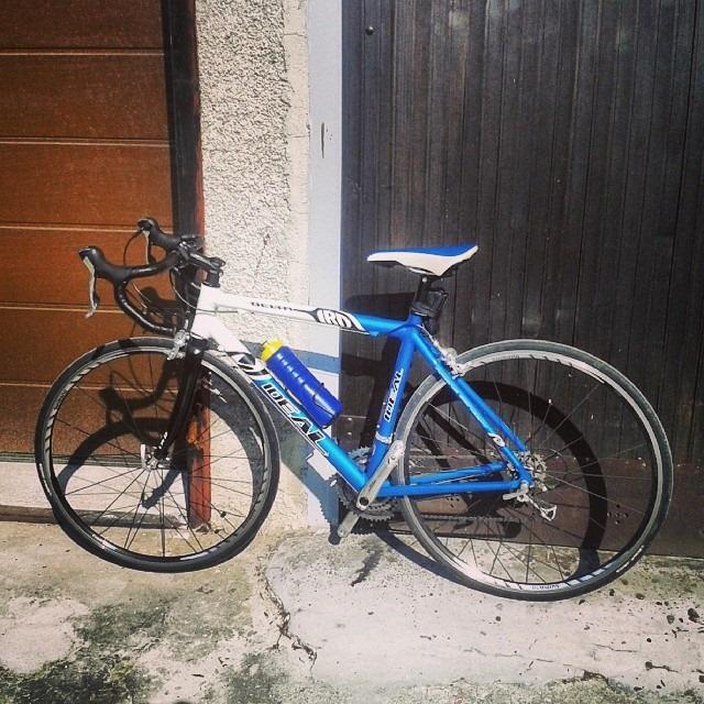 """Look around! """"@Katarina99: Ponoči so mi iz garaže ukradli kolo! Pomagajte mi ga najti. RT pls. #ukradeno #kolo http://t.co/K7mye8fv0k"""""""