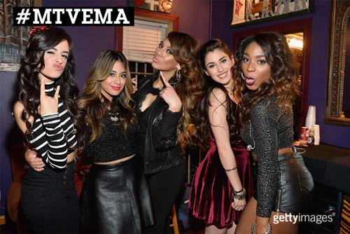 Will @FifthHarmony be taking home the award for Worldwide act?#MTVEMA #votefifthharmony #Harmonizers http://t.co/UvzHGmRrVH