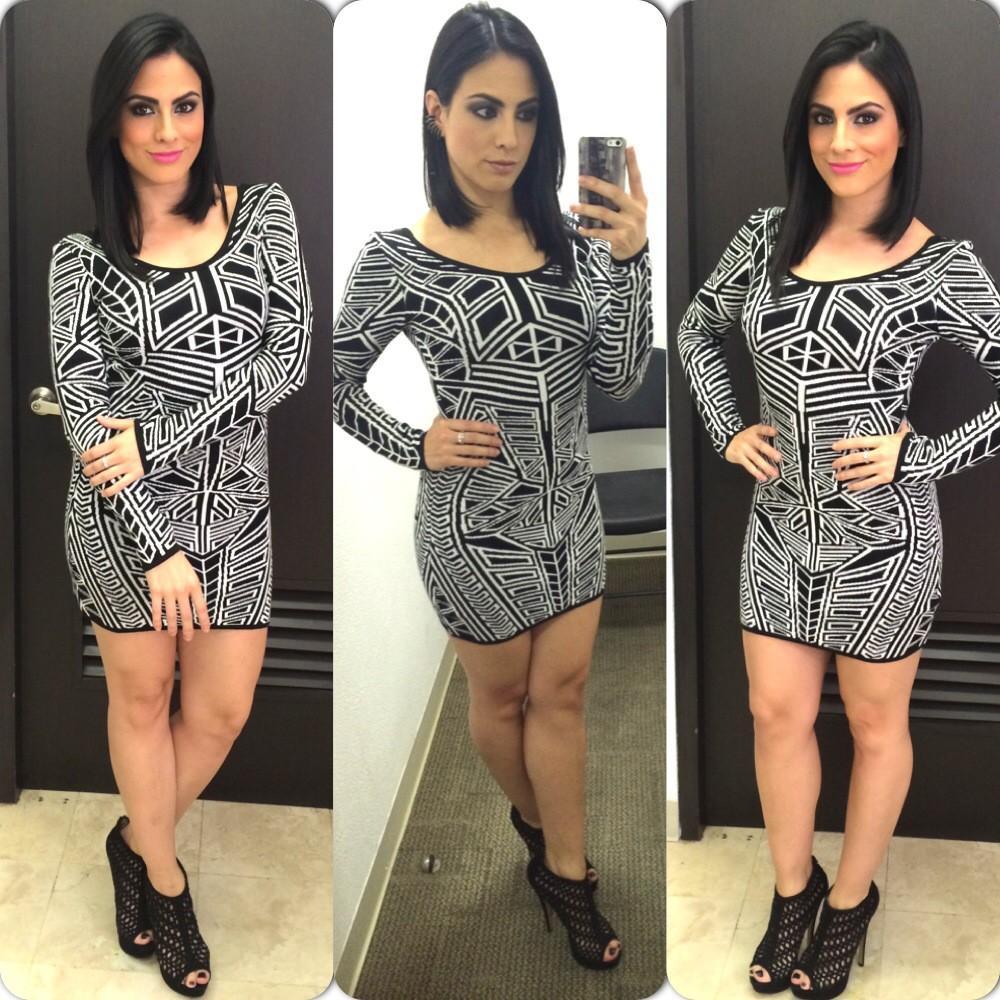 Valeria Marín (@ValMarinR): Cambio de look... con VESTIDAZO de la nueva colección de @LATIENDITADF = Feliz, feliz, feliz
