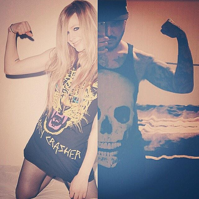 MUAHHHHHHH!!! #PartyCrasher @AvrilLavigne http://t.co/Mr0vp8rvmz
