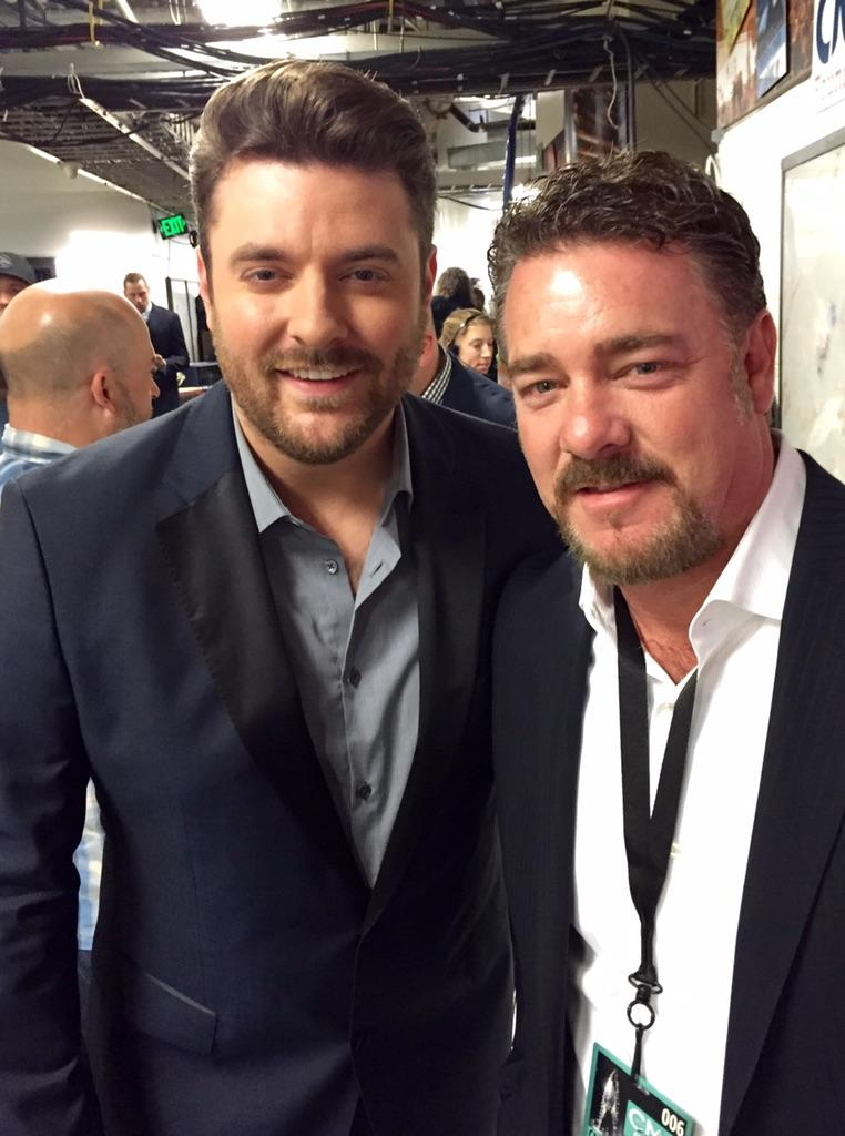 Getting ready for pre-telecast awards!  @CountryMusic #CMAawards @ChrisYoungMusic http://t.co/zbIf9ExmrI