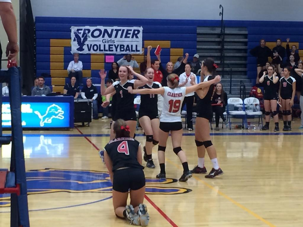 Clarence beats Frontier in 4 sets to win the Class AA girls volleyball championships  #PrepTalkLive http://t.co/MSTWesLLQU
