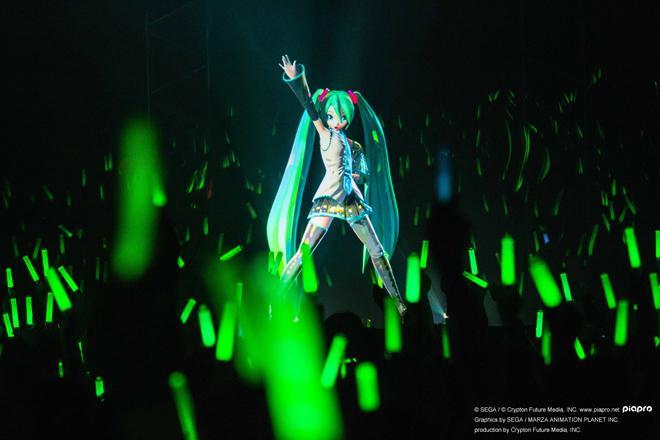 こんなんやってるの、全く知らなかったRT @barks_news: 初音ミク、日本初披露曲などで大興奮のスペシャルライブ http://t.co/iTqo7u424q http://t.co/aTT9pkp41Y