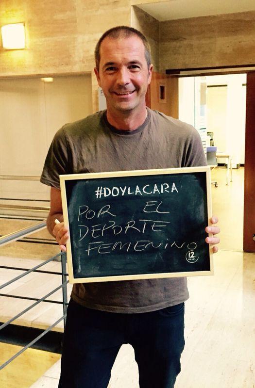 Me uno a la campaña de @12_meses y #DOYLACARA por el deporte femenino, por ellas!!! http://t.co/1osPk2554X