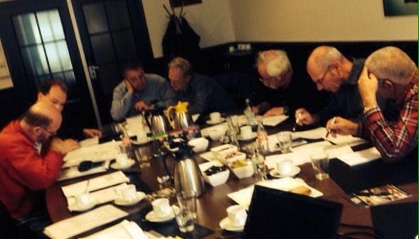 Deelnemers aan de slag bij onze cursus Coördineren Kabels & Leidingen in Assen. Meer weten? http://t.co/EzcqwLswWs http://t.co/7VkpH1G2j3