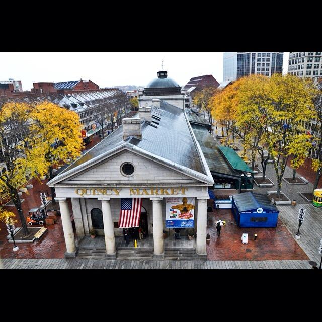 Faneuil Hall is gorgeous even in the rain. http://t.co/nxgcKs4ZN4