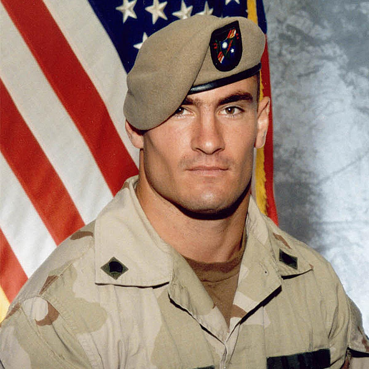 #Salute true hero ... RT @nfl: Today, Army Ranger Pat Tillman would have celebrated his 38th birthday. http://t.co/bQeq4ustZd