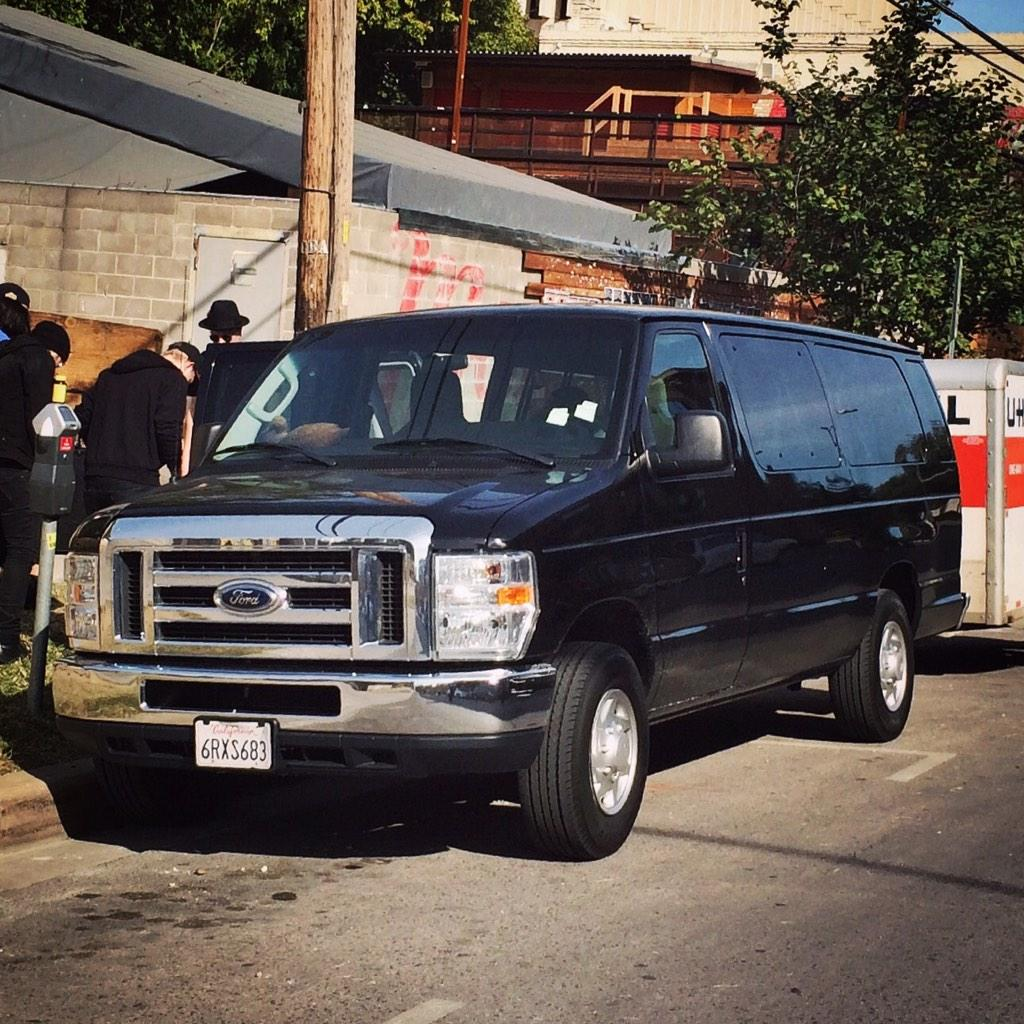 bay area: this is what our stolen van looks like. black ford e-350 license: 6RXS683 http://t.co/tmhKCPLXrG