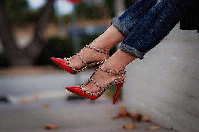The 10 styles of shoes that EVERY woman should own. http://t.co/AkdxKOWdDC @LaurenMessiah http://t.co/CApHy41W2a