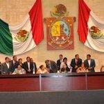 De cabeza el Congreso del Estado http://t.co/7qmErXC9pF http://t.co/C3nbkIBDWs