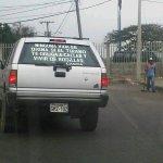 Si leen lo que dice en el parabrisas trasero de este vehìculo,pásenlo! http://t.co/qhjqdIbKdR