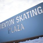 Its that time of year... @brenton_plaza Outdoor Skating Rink opens TODAY at noon! #DesMoines #skating http://t.co/y8ZdoHLLQH