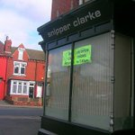 Anyway. Great hairdressers puns of our time. Number 1 #lufc http://t.co/B55HP5Tq8x
