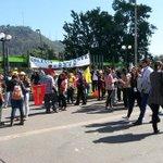 AHORA: Profesores de regiones llegan a Plaza Italia para iniciar nueva marcha #ParoDocente (fotos vía @EduardoAtala) http://t.co/11dvSZ18RM