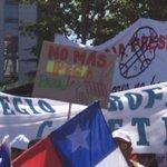 """[AHORA] Con cánticos: """"Gobierno, escucha, el #Profe está en la lucha"""" ???? #ParoDocente http://t.co/L6bRVdKSfb"""