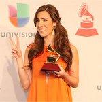 Mariana Vega se lleva el Grammy como mejor artista nuevo (+fotos) http://t.co/Sd1UxGNV93 http://t.co/AKUPxJ63S6