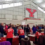 Welcome to the 1800+ students and parents on campus today for #YSUCrashDay! http://t.co/Ywn77NcmcQ