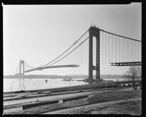 Happy 50th birthday to the Verrazano Bridge! Great collection of photos from construction http://t.co/8fPL3h6hm6 http://t.co/bW6ZAtYZ9t