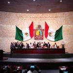 Pueden más las AMBICIONES de los diputados que legislar en favor de #Oaxaca y los oaxaqueños @62LegisOficial http://t.co/fc8quCvf5i