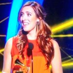 La venezolana @MarianaVega gana el Grammy Latino a Mejor artista nuevo ¡Orgullo nacional! http://t.co/OIwv9UuY1q http://t.co/JiYLuEpqw5