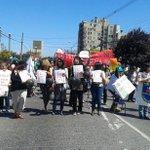 Concepción profesores en protesta frente a la UBB realizan un sillazo y toma de calzada http://t.co/zn7plbAoCs
