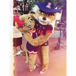 @OfficialWilbur surprised me with a trip to MAUI for our anniversary!! #Meowii #BearDown #BestHusbandEver 😍😘❤️ http://t.co/K0kerXaJFp