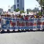 Profesores disidentes marchan en la Alameda en nueva jornada de movilización --> http://t.co/Cfc0MSZ1uY #ParoDocente http://t.co/bUmv1LJVEb