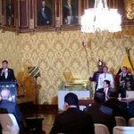 En el Palacio de Carondelet hablan a la prensa los presidentes @MashiRafael de #Ecuador y Horacio Cartes de #Paraguay http://t.co/9oLLXux2gq