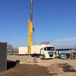 Vandaag in @gemeentekatwijk 2 pompputten geplaatst van 11 ton per stuk. #mooiwerk http://t.co/276XJuNtEA