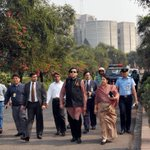 RT @Ninad_India: Walk of Democrats @ShashiTharoor wit HE Speaker-also Chairpersn Cmnwlth Parl Asso #CPA @BDParliament lawns @ihcdhaka