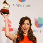 "Mariana Vega gano Latin Grammy 2014 como ""Mejor Artista Nuevo"" http://t.co/A7oFaMpkyj http://t.co/r56mGCf5qb"